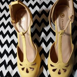 Chase & Chloe T-strap 1940s style shoes
